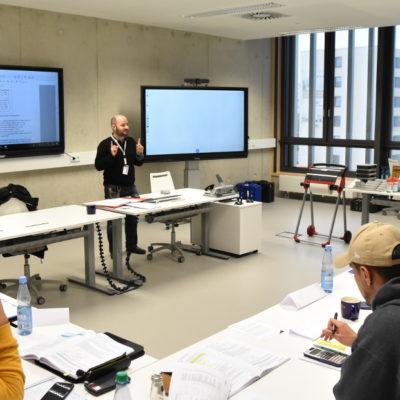 ZfP-Training in der Testia-Schulungsstätte Bremen
