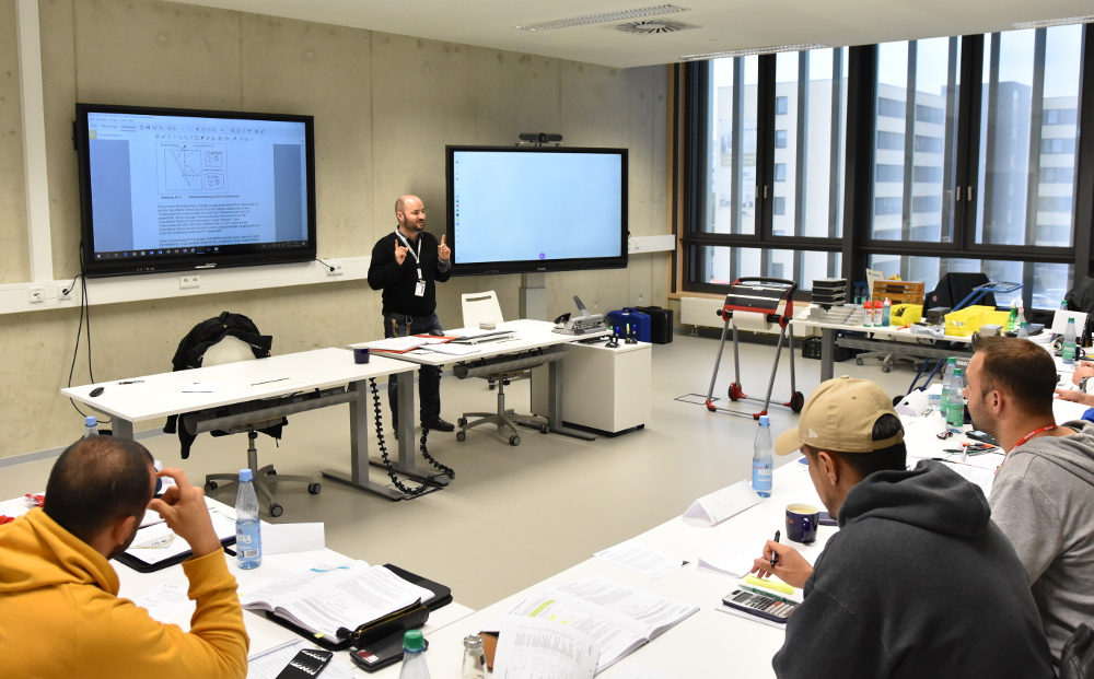 NDT training at the Testia Training Center in Bremen